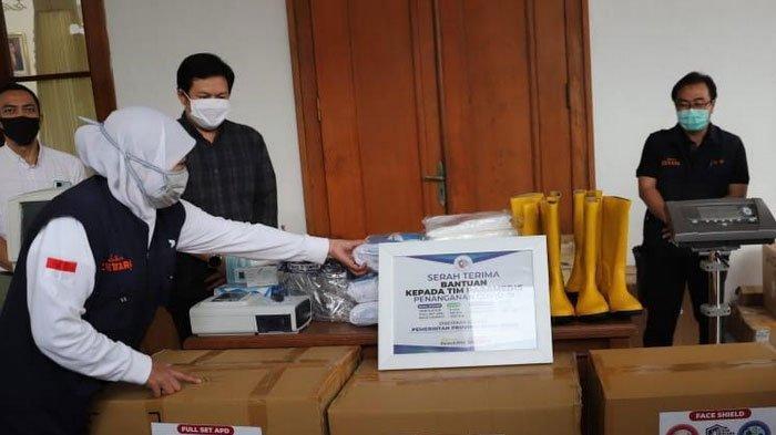 Pemprov Jatim Terima Alat Ventilator dari Yayasan Rumah Kita
