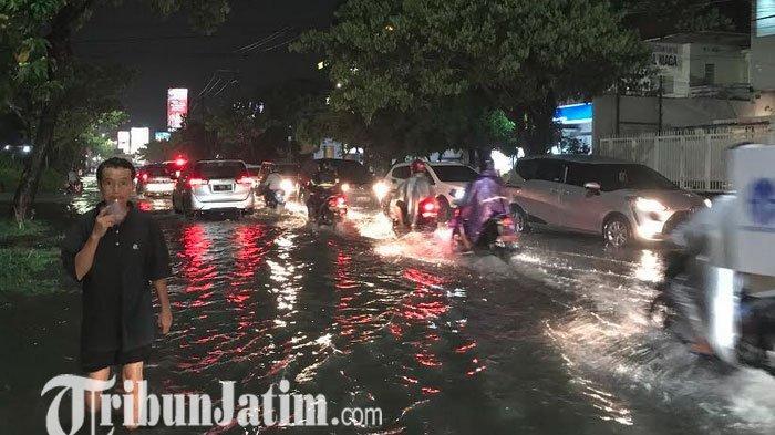 Pemkot Punya Banyak Petugas Lapangan, Siaga Antisipasi Banjir di Surabaya