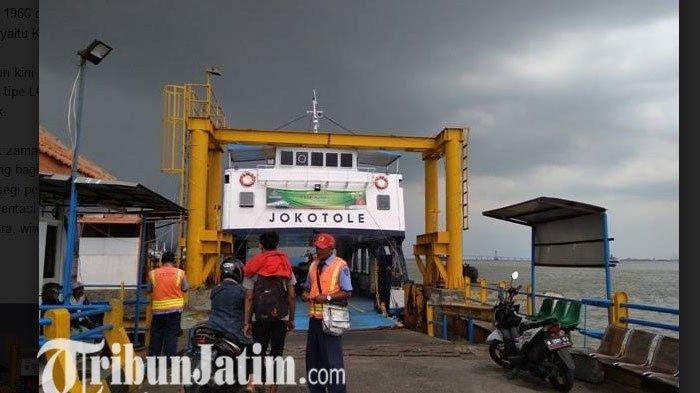 Melihat Penyeberangan Ujung Surabaya – Kamal Madura, Sisa Kejayaan Angkutan Kapal
