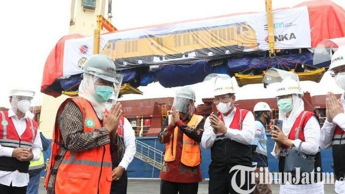 Guberrnur Jatim, Khofifah Lepas Ekspor Lokomotif dan Kereta Penumpang Perdana ke Filipina