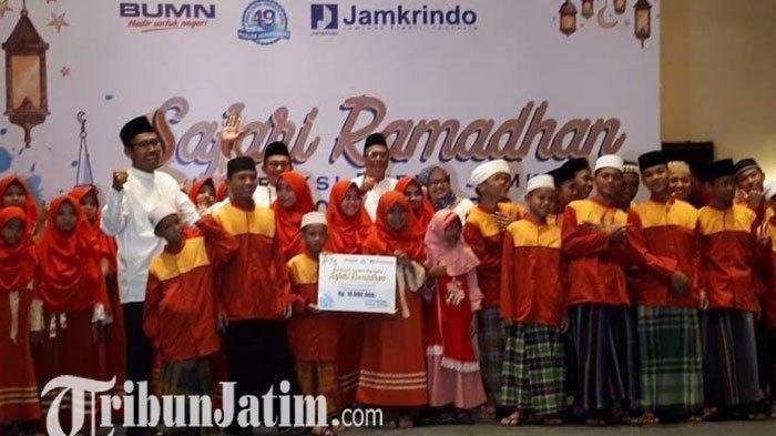 Jamkrindo Gelar Safari Ramadan di Surabaya, Kunjungi Mitra Kerja dan Santuni Anak Yatim