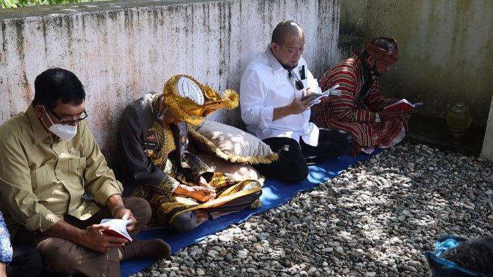 Kunker di Sultra, LaNyalla Ketua DPD RI Ziarah ke Makam Sultan Buton I