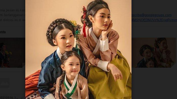 Tampil Layaknya Perempuan Korea dengan Hanbok Modern 'Taste of Korea' Koleksi Nathania Kho