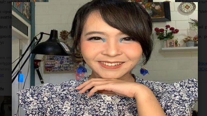 Marisa Santosa MUA Surabaya : Tampil Chic dengan Blue Highlight, Beri Warna Biru Pada Sudut Mata
