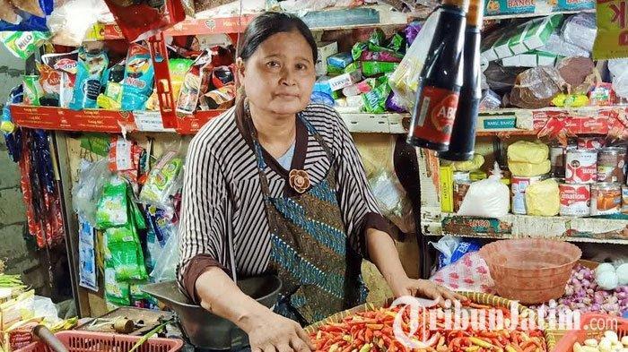 Imbas PSSB Surabaya Raya, Harga Komoditi Cabai Didua Pasar Tradisional Surabaya Anjlok