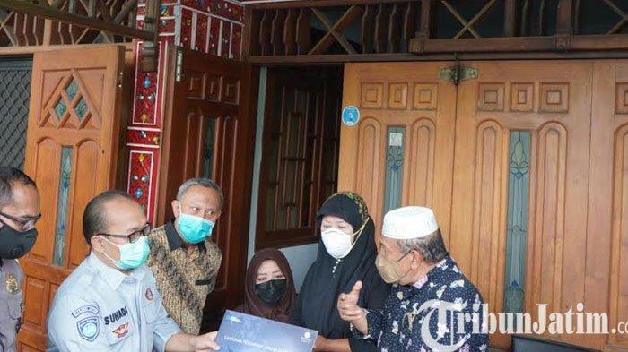 Respon Cepat Jasa Raharja Beri Santunan Korban Kecelakaan Sriwijaya Air Dari Surabaya