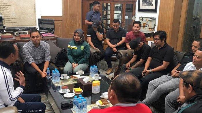 Sudah Dipastikan,  Persebaya Surabaya vs Bhayangkara FC Main di Stadion GBT
