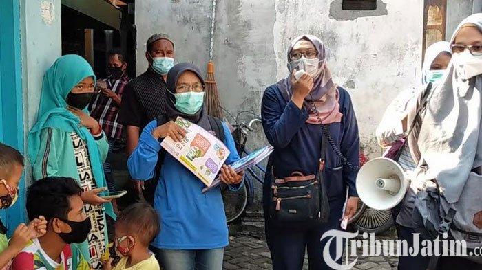 Kelurahan Pacarkembang Surabaya Gelar Sosialisasi Covid-19 Dua Bahasa