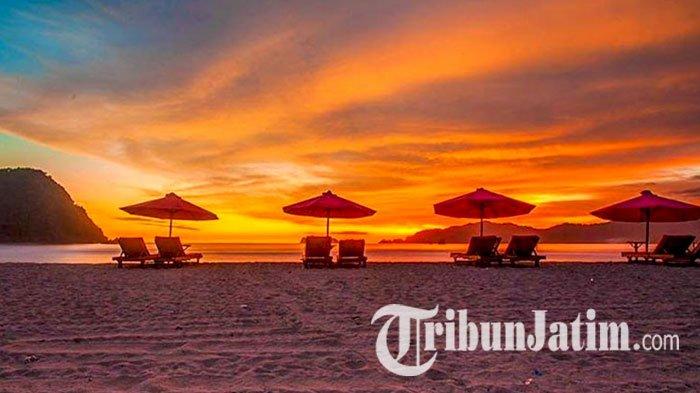 Sunset di Pulau Merah Banyuwangi Jawa Timur.