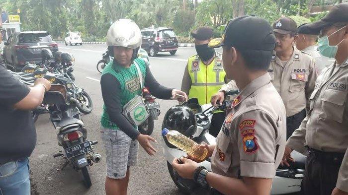 Polsek Wonokromo Temukan Bonek Bawa Miras Saat Razia di Taman Bungkul Surabaya