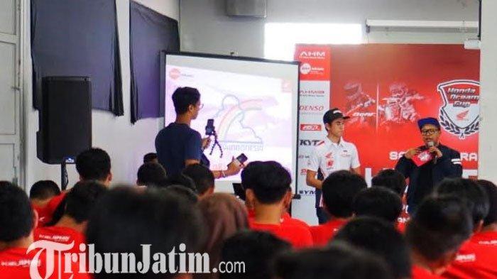 DAM & AHM Berbagi Ilmu dan Pengalaman di HDC Tour dengan Siswa-siswi Bandung