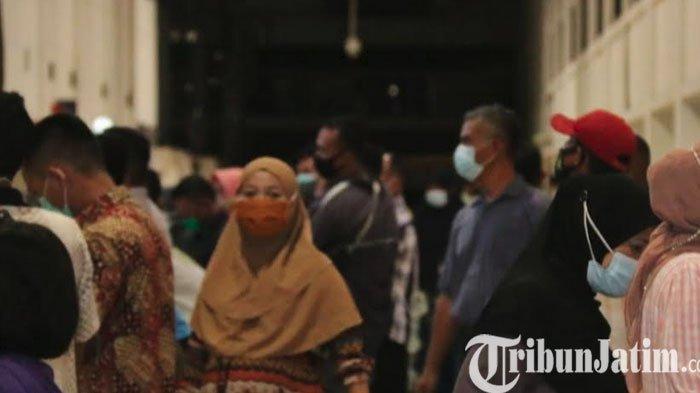 H-1 Larangan Mudik, Bandara Juanda Dipadati Ribuan Penumpang