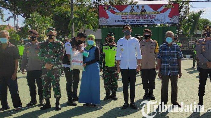 Peduli Pandemi Covid-19 di Tuban, Yayasan Buddha Tzu Chi Surabaya Bagikan Puluhan Ton Beras