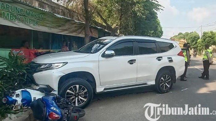Sopir Ngantuk, Pajero Sport Ini Tabrak 6 Motor dan Dump Truk di Tuban
