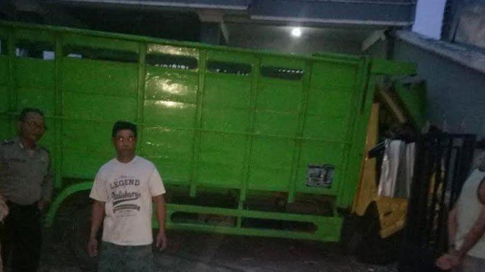 Polisi Melepas Terduga Pencuri Truk Yang Nabrak Rumah Warga Kauman Tulungagung