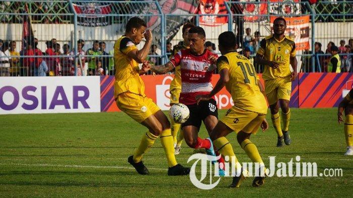 Madura United Cetak Dua Gol dalam Waktu Dua Menit, Djanur Keluhkan Konsentrasi Pemain Barito Putera