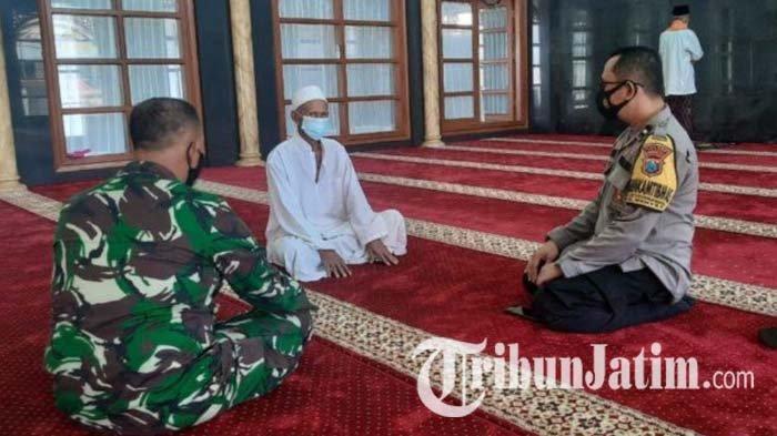 Jelang Idul Fitri, Polisi Datangi Masjid dan Musala di Gresik, Sosialisasi Larangan Takbir Keliling