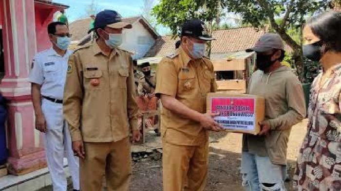 Puluhan Rumah di Bondowoso Rusak Disapu Angin Puting Beliung, BPBD Berikan Bantuan