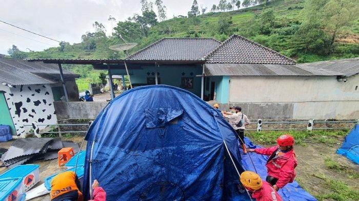 Rawan Longsor, Wali Kota Batu Dewanti Imbau Warga Brau Tidak Tinggal di Rumah