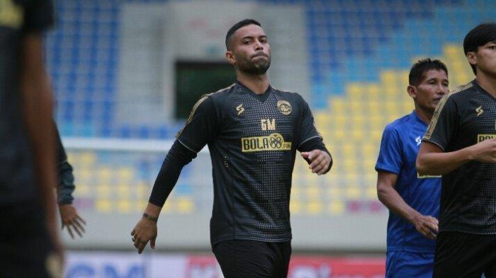 TERPOPULER BOLA Persebaya Kandaskan Madura United hingga Eksekutor Penalti Arema FC di Piala Menpora
