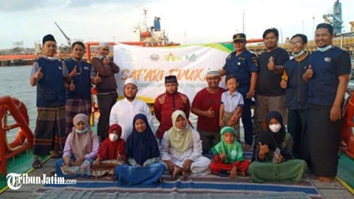 Safari Edukasi, Siswa Kelas Yatim Ngabuburit di Atas Kapal Patroli KN 365 Gresik, 'Seru!'