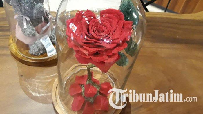 Ada Bunga Yang Diawetkan ala Beauty and The Beast di Ivy Florist Surabaya, Bisa Untuk Valentine