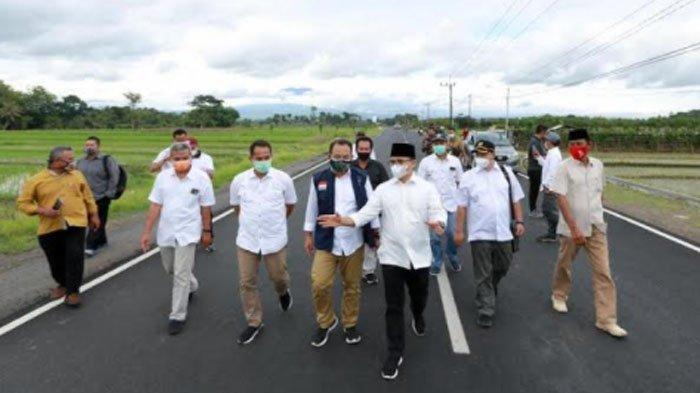 Tahun 2021, Bupati Banyuwangi Anas Targetkan Pembangunan Jalan Alternatif Genteng-Gambiran Tuntas