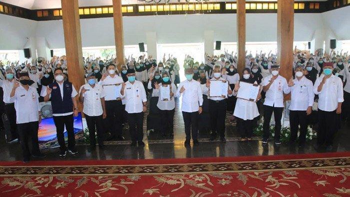 Serahkan SK pada CPNS 2019 Baru, Bupati Banyuwangi Anas Ingatkan Budaya Inovasi