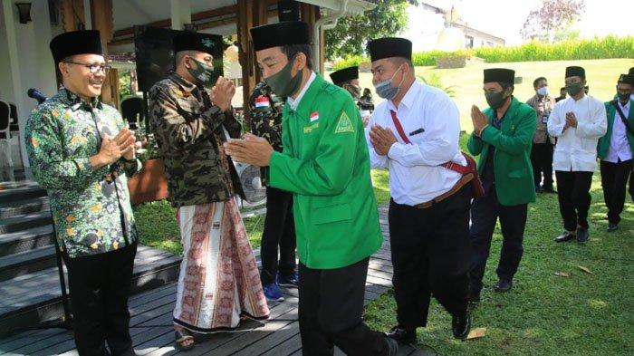 Jelang Siswa Masuk Sekolah, Ketua PCNU Banyuwangi Minta Ansor & Banser Bantu Bersih-bersih Madrasah