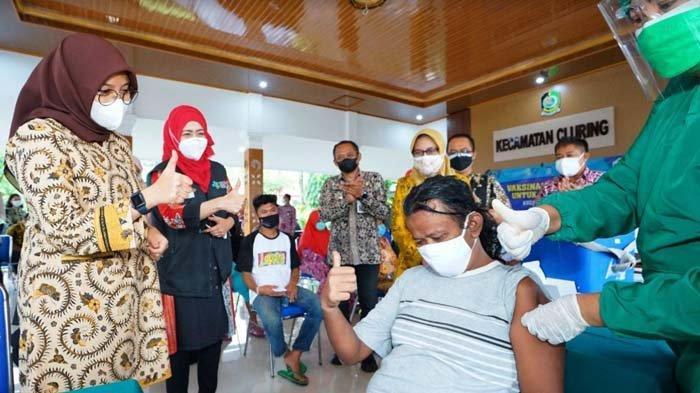 Pemkab Banyuwangi Genjot Vaksinasi, 14.000 Orang Divaksin Setiap Harinya