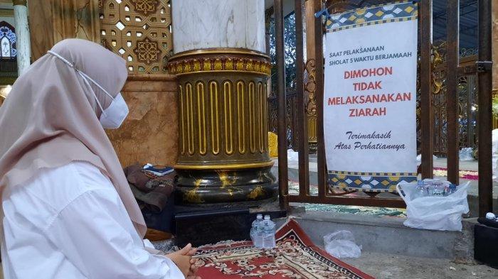 Jelang Pelantikan, Ipuk Fiestiandani Ziarah Syaichona Cholil dan Sungkem Orangtua