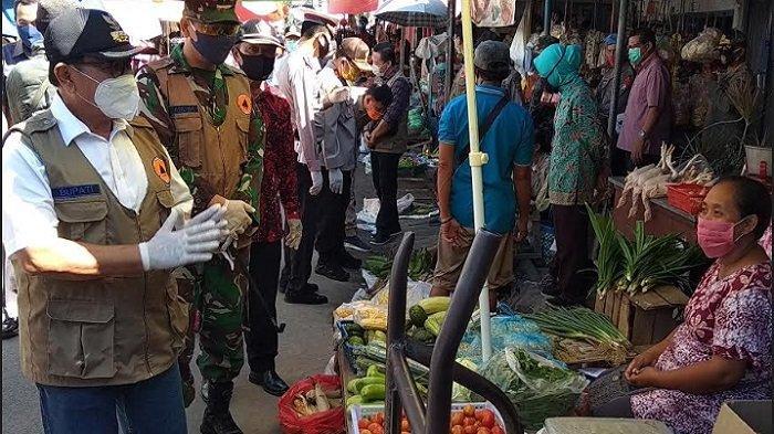 Di Pasar Wlingi Jelang Lebaran, Bupati Blitar Rijanto Minta Warta Taat Protokol Pencegahan Covid-19