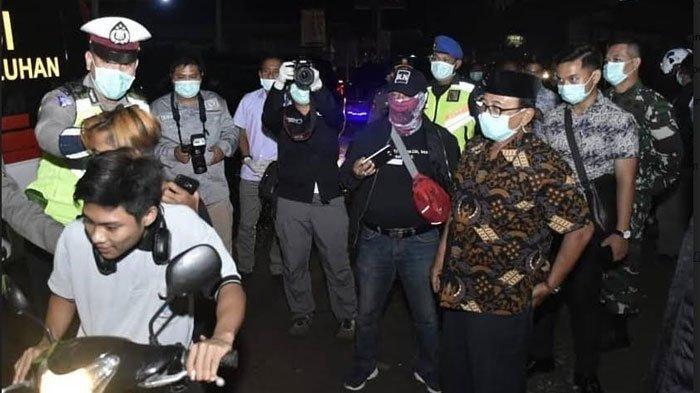 Bupati Blitar Ikut Patroli Pencegahan Covid-19, Wanti-wanti Warga Tidak Berkerumun: Demi Keselamatan
