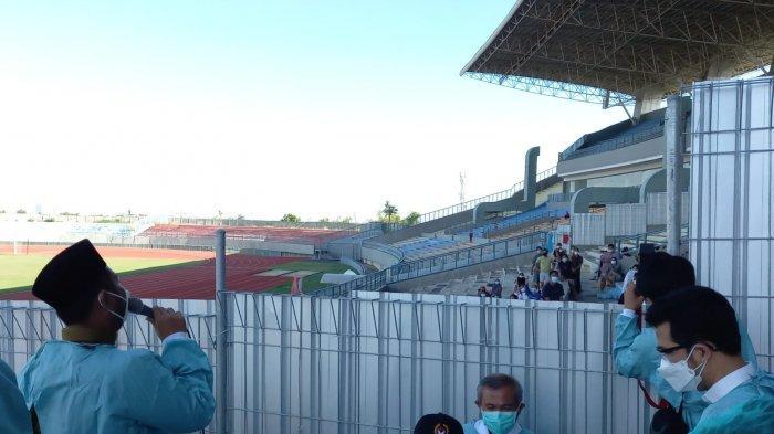 Bupati Gresik Tambah Ratusan Tempat Tidur di Stadion Gelora Joko Samudro