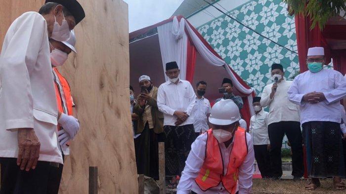 Akhirnya MUI Gresik Punya Gedung, Bupati Fandi Akhmad Yani Letakkan Batu Pertama