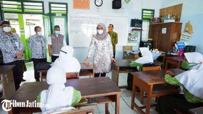 813 SD dan 199 SMP di Banyuwangi Mulai Pembelajaran Tatap Muka, Bupati Ipuk: Jangan Lalai Prokes