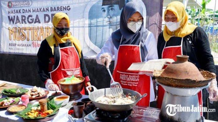 Bupati Ipuk Masak Resep Warisan Bung Karno Bareng Warga: Lodeh Jantung Pisang dan Nasi Jagung