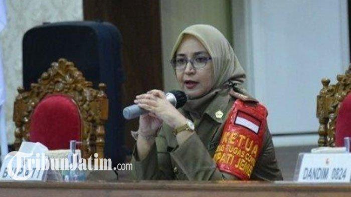 Bupati Faida Jadi Orang Pertama Divaksin Covid-19 di Jember
