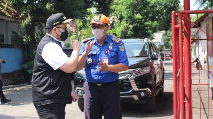 Sidak Bupati Kediri di Kantor PMK, Temukan Unit Kendaraan 'Usang', Janji Anggarkan Unit Baru
