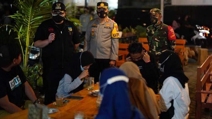 Tegas! Bupati Kediri Mas Dhito Beri Peringatan Keras 10 Kafe yang Langgar Aturan PPKM Darurat