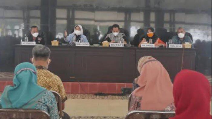 Terima Aduan Keluhan Bansos dari 12 Kecamatan, Pemkab Lumajang Gelar Evaluasi