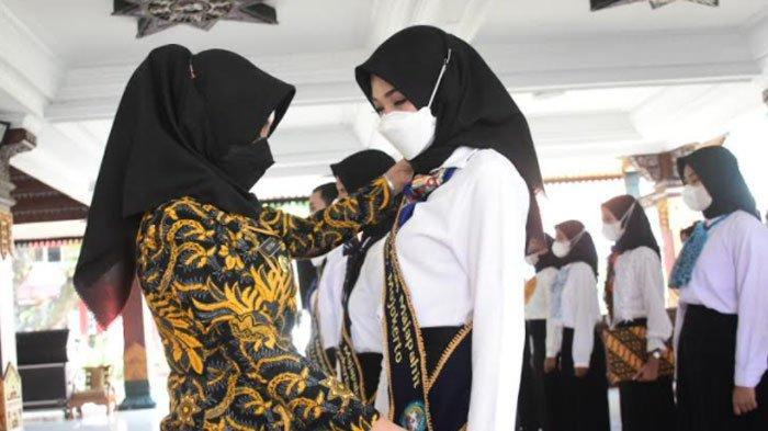 Sahkan Pengurus Forum Anak Majapahit 2021-2023, Bupati Ikfina Ingatkan Agar Terus Berproses