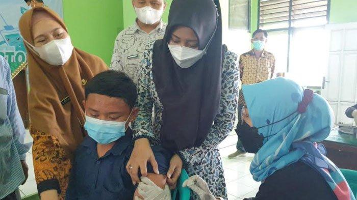 Ribuan Santri Ponpes di Kabupaten Mojokerto Disuntik Vaksin Covid-19