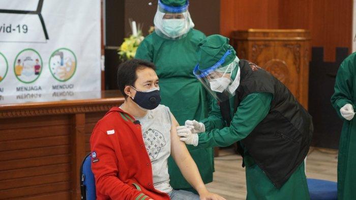 Hari Ini, Sebanyak 484 Tenaga Kesehatan di Kabupaten Nganjuk Dapatkan Vaksin covid-19 Tahap Awal