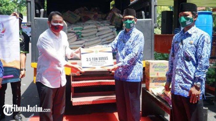 Bupati Nganjuk Terima 3,5 Ton Beras dari Kemenag Kota Kediri, Untuk Warga Terdampak Longsor Ngetos