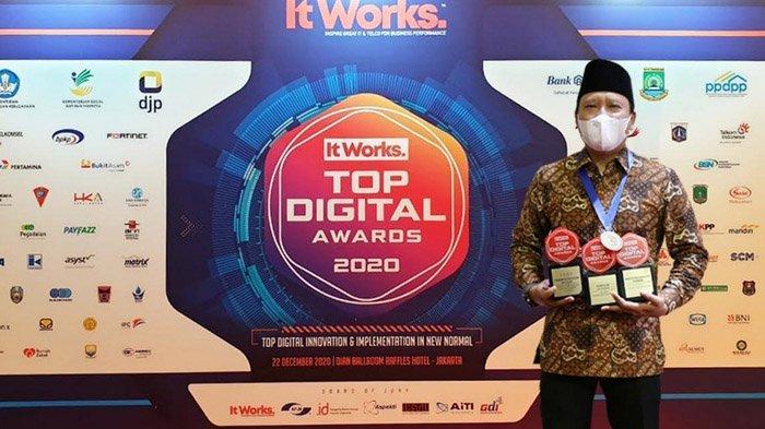 Di Penghujung Tahun, Bupati Pasuruan Irsyad Yusuf Raih Penghargaan Top Digital Awards 2020