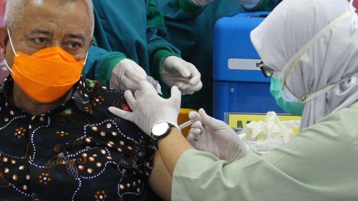 Pengakuan Bupati Sanusi Saat Jalani Vaksinasi Covid-19: Rasakan Sensasi Dingin