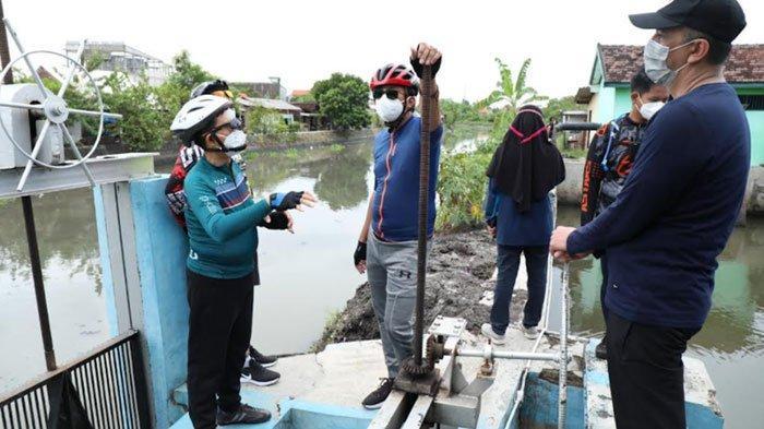Antisipasi Banjir, Bupati Sidoarjo Pastikan Rumah Pompa Berfungsi dengan Baik