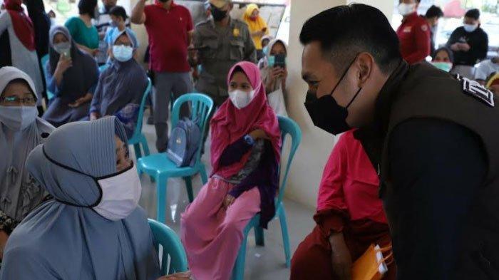 300 Ribu Lebih Warga Tuban Sudah Terima Vaksin, Bupati Optimis Target 900 Ribu Segera Tercapai