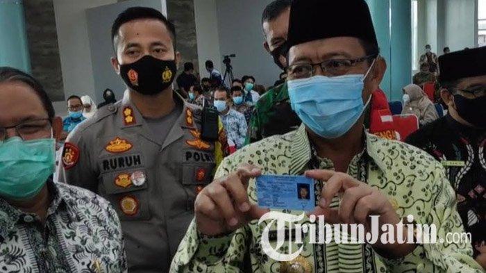 Bupati Tuban Fathul Huda Cetak KTP Tak Sampai 5 Menit Pakai Mesin Anjungan Dukcapil Mandiri
